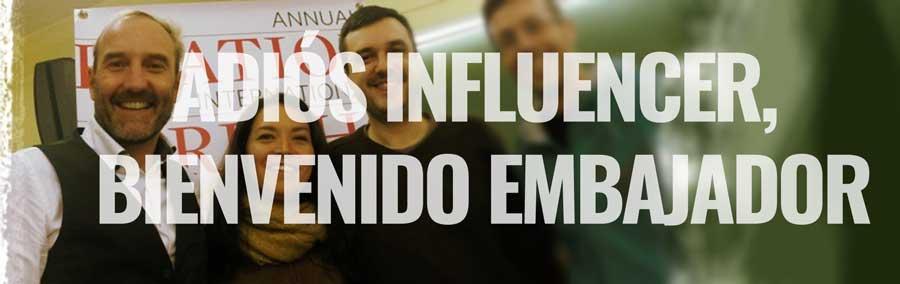 Adiós-influencers-bienvenido-embajador-Conferencia-Mandomando-Mando-Liussi-